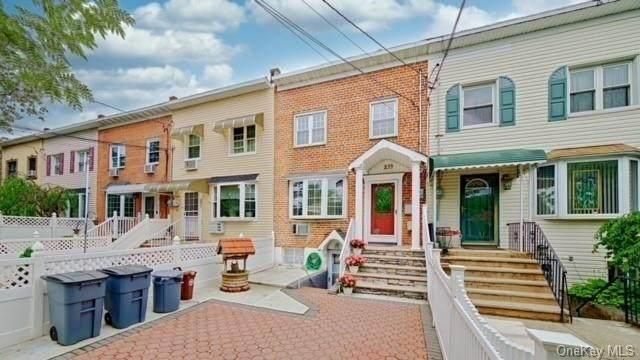233 Brinsmade Avenue, Bronx, NY 10465 (MLS #H6150656) :: Cronin & Company Real Estate