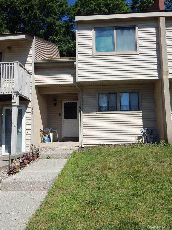 206 Concord Lane, Middletown, NY 10940 (MLS #H6150714) :: Cronin & Company Real Estate