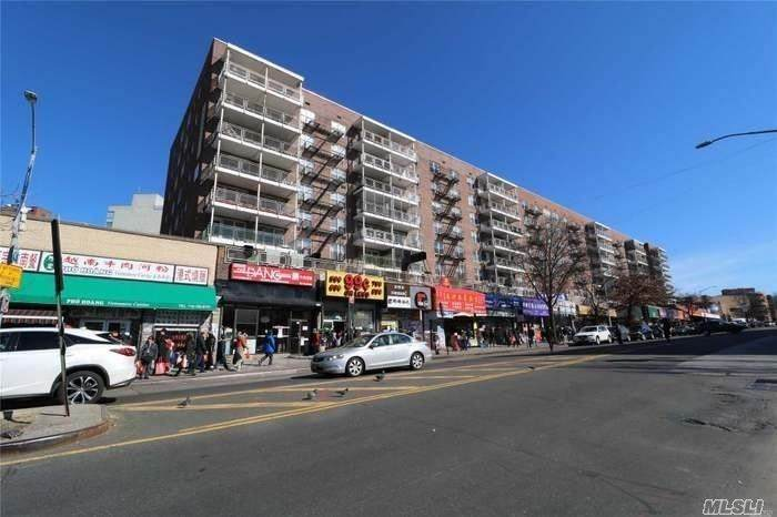 41-25 Kissena Blvd - Photo 1