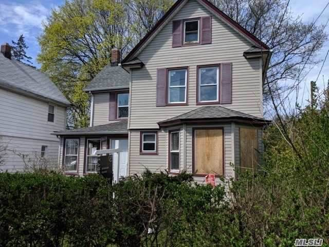 19 Lawson Street, Hempstead, NY 11550 (MLS #3216455) :: RE/MAX Edge