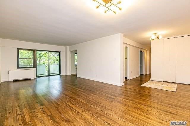 20 Canterbury Road 2-J, Great Neck, NY 11021 (MLS #3245744) :: Mark Seiden Real Estate Team
