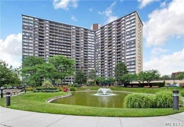 2 Bay Club Drive 6R, Bayside, NY 11360 (MLS #3251690) :: Cronin & Company Real Estate