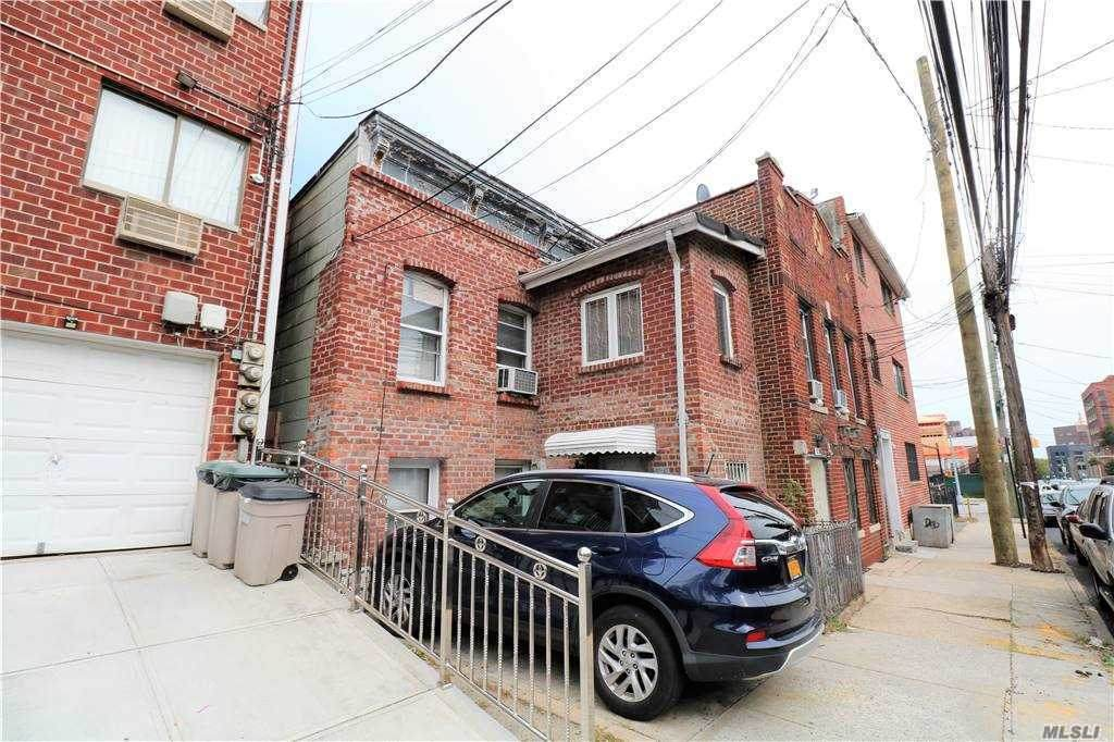 57-29 Waldron Street - Photo 1