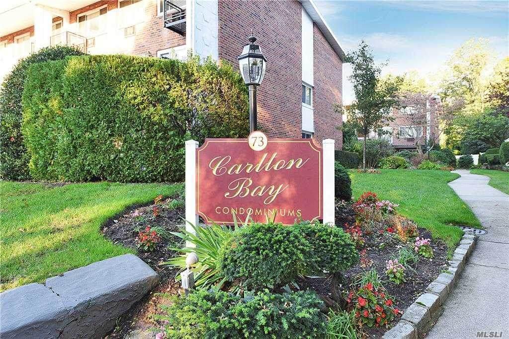 73 Carlton Avenue - Photo 1