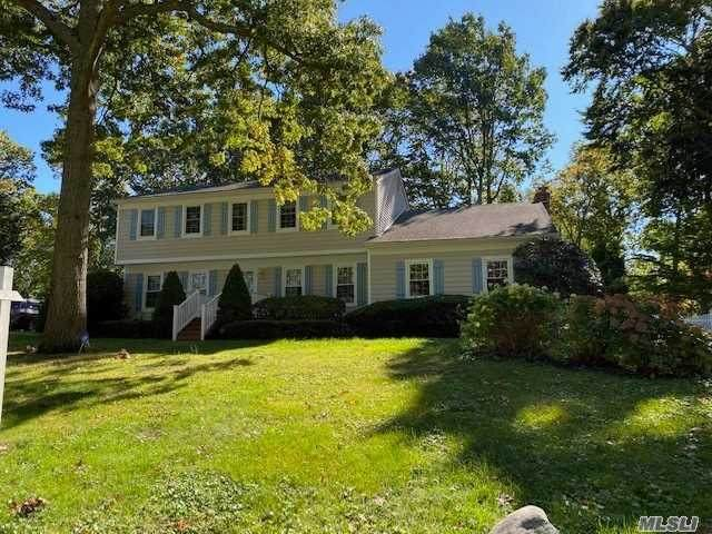 10 Tree Road, Miller Place, NY 11764 (MLS #3262031) :: Nicole Burke, MBA | Charles Rutenberg Realty