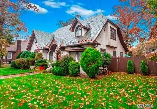 207 Melville Road, Farmingdale, NY 11735 (MLS #3264330) :: Nicole Burke, MBA | Charles Rutenberg Realty