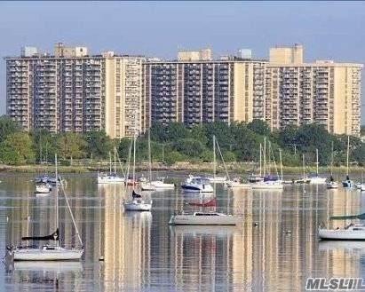 18-15 215 Street 7 E, Bayside, NY 11360 (MLS #3266177) :: McAteer & Will Estates | Keller Williams Real Estate