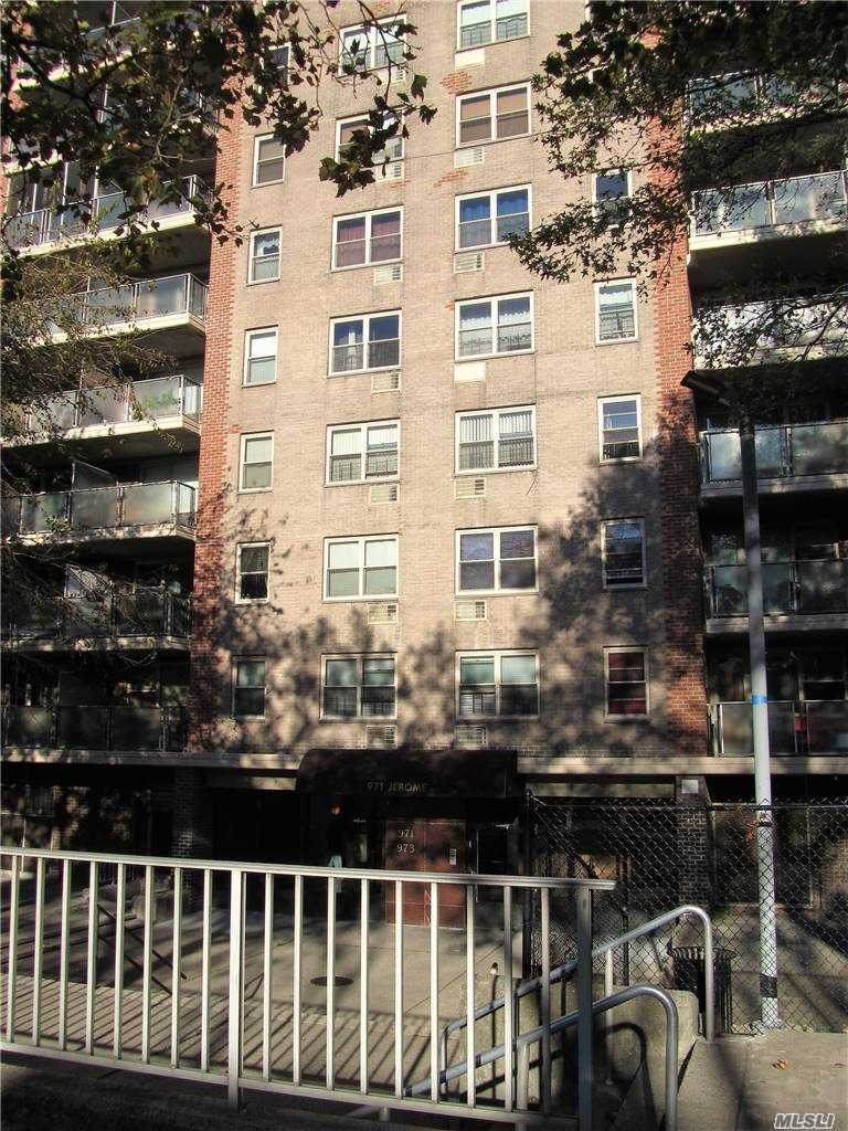 971 Jerome Street - Photo 1