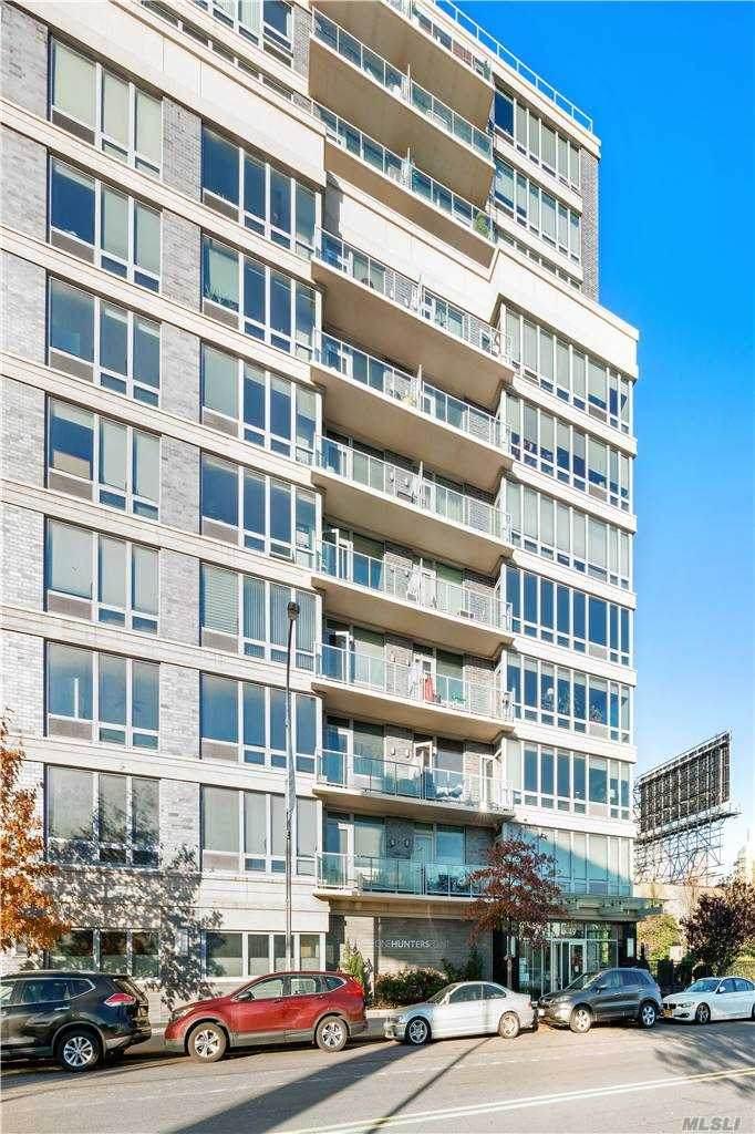 5-49 Borden Avenue - Photo 1