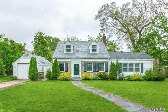 12 Gloucester Court, Great Neck, NY 11021 (MLS #3268026) :: Signature Premier Properties