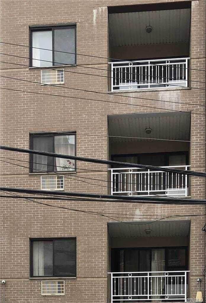 41-18 Haight Street - Photo 1