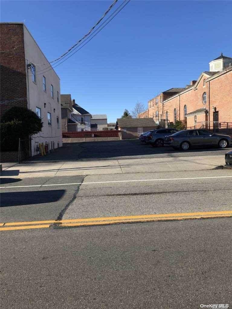 167 Willis Avenue - Photo 1