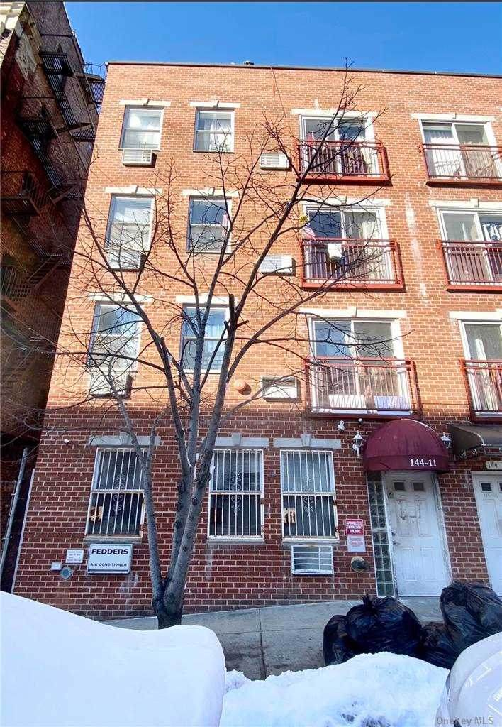 144-11 Barclay Avenue - Photo 1