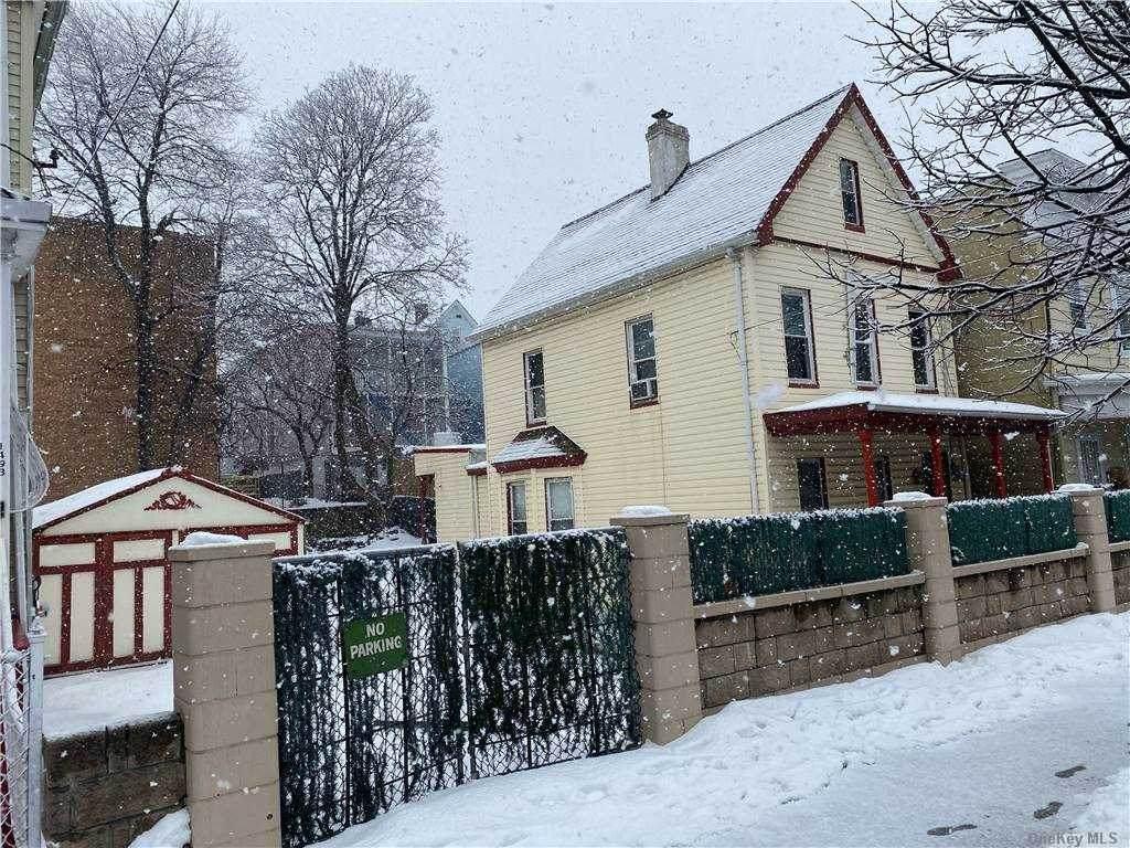 1496 Rosedale Avenue - Photo 1