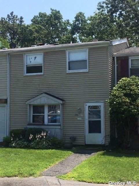 196 Hill Circle #196, Calverton, NY 11933 (MLS #3298484) :: Goldstar Premier Properties