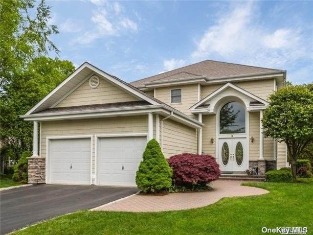 3 Redan Drive, Smithtown, NY 11787 (MLS #3300071) :: McAteer & Will Estates | Keller Williams Real Estate