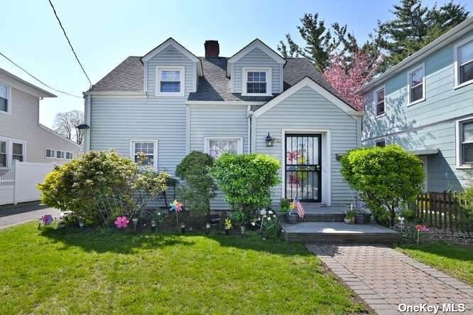 53 Willoughby Avenue - Photo 1