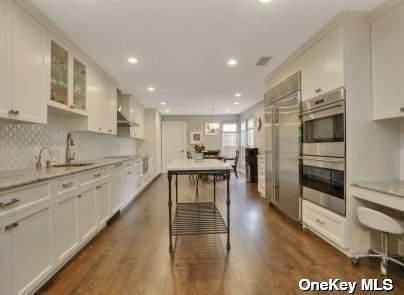 75 Eider Hill Court #75, Manhasset, NY 11030 (MLS #3307473) :: Barbara Carter Team