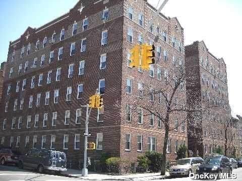 3505 72 St S 5 E, Jackson Heights, NY 11372 (MLS #3314911) :: RE/MAX RoNIN