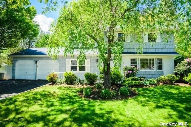 10 Frost Pond Road, Greenlawn, NY 11740 (MLS #3315951) :: Carollo Real Estate