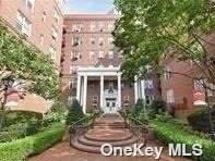 112-50 78th Avenue 2C, Forest Hills, NY 11375 (MLS #3324180) :: McAteer & Will Estates | Keller Williams Real Estate