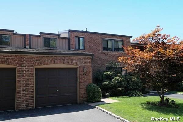 34 Windsor Gate Drive #34, North Hills, NY 11040 (MLS #3325301) :: Goldstar Premier Properties
