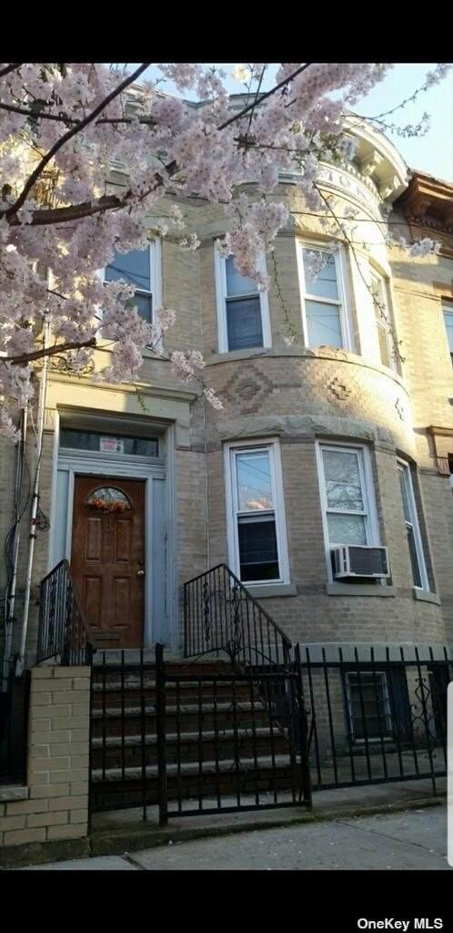 124 Weldon Street - Photo 1