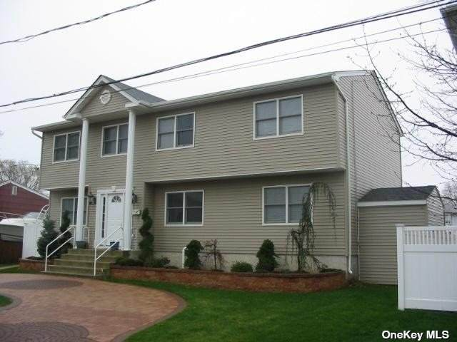 3718 Terrapin, Seaford, NY 11783 (MLS #3334471) :: Cronin & Company Real Estate
