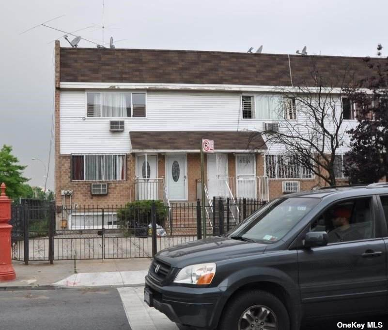 1261 Putnam Avenue - Photo 1