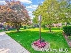 200 N Village Avenue D8, Rockville Centre, NY 11570 (MLS #3348244) :: Cronin & Company Real Estate