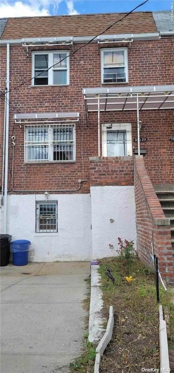 186-19 Henderson Avenue, Hollis, NY 11423 (MLS #3348465) :: Mark Boyland Real Estate Team