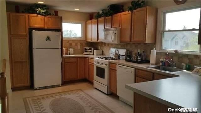 2202 Cedar Path #2202, Riverhead, NY 11901 (MLS #3353585) :: Signature Premier Properties