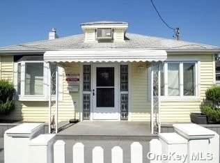 38 Lexington Walk, Island Park, NY 11558 (MLS #3354302) :: Mark Boyland Real Estate Team