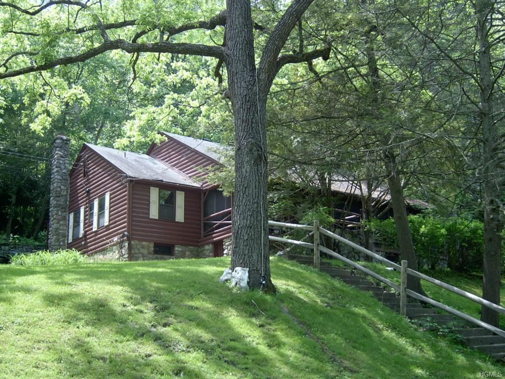 1 Mill Pond Lane, Warwick, NY 10990 (MLS #4509618) :: William Raveis Legends Realty Group