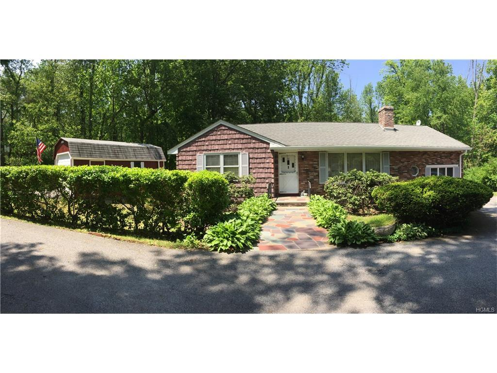 32 Lacona Road, Mahopac, NY 10541 (MLS #4623864) :: William Raveis Legends Realty Group