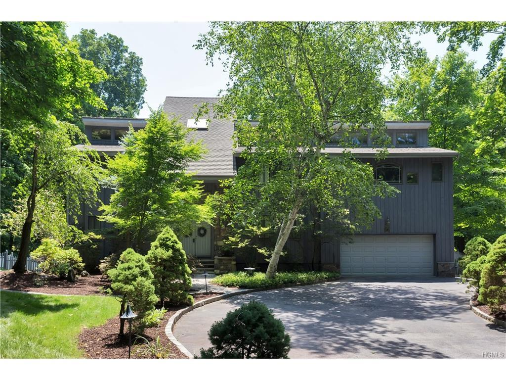 66 Round Hill Road, Armonk, NY 10504 (MLS #4632618) :: William Raveis Legends Realty Group