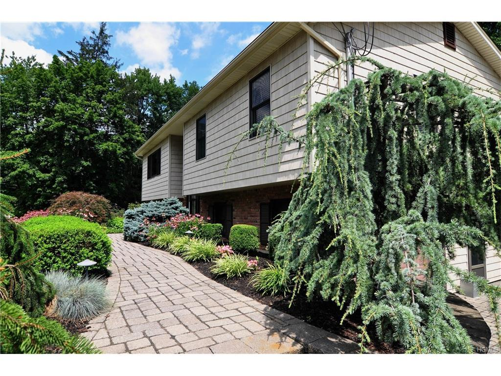 133 Parrott Road, West Nyack, NY 10994 (MLS #4634451) :: William Raveis Legends Realty Group