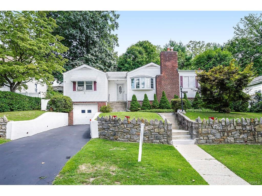 134 aka 136 Minerva Drive, Yonkers, NY 10710 (MLS #4635960) :: William Raveis Legends Realty Group