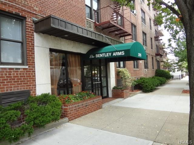 2015 St. Paul Avenue 1F, Bronx, NY 10461 (MLS #4726273) :: Mark Boyland Real Estate Team
