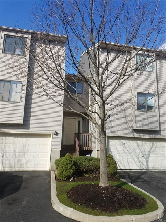 8 Queens Court, Nanuet, NY 10954 (MLS #4816234) :: Mark Boyland Real Estate Team