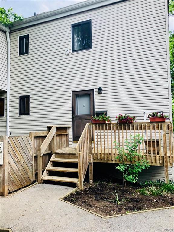 35 Hillside Terrace D, White Plains, NY 10601 (MLS #4820267) :: Mark Seiden Real Estate Team