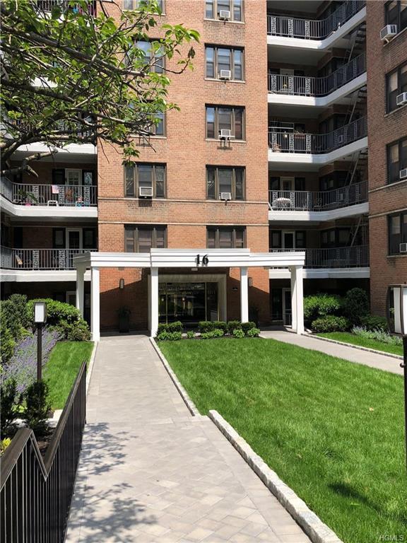 16 North Broadway 4G, White Plains, NY 10601 (MLS #4824617) :: Mark Boyland Real Estate Team