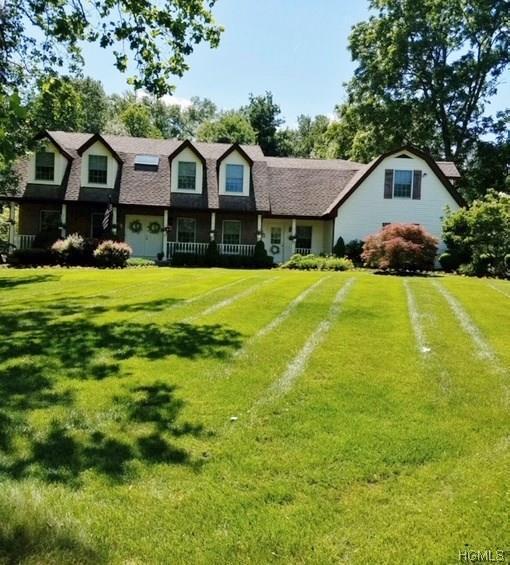 4 Rolyn Hills Drive, Orangeburg, NY 10962 (MLS #4827759) :: William Raveis Baer & McIntosh