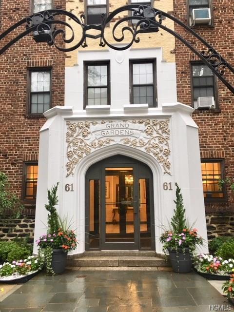 61 W Grand Street Og, Mount Vernon, NY 10552 (MLS #4838341) :: Mark Boyland Real Estate Team