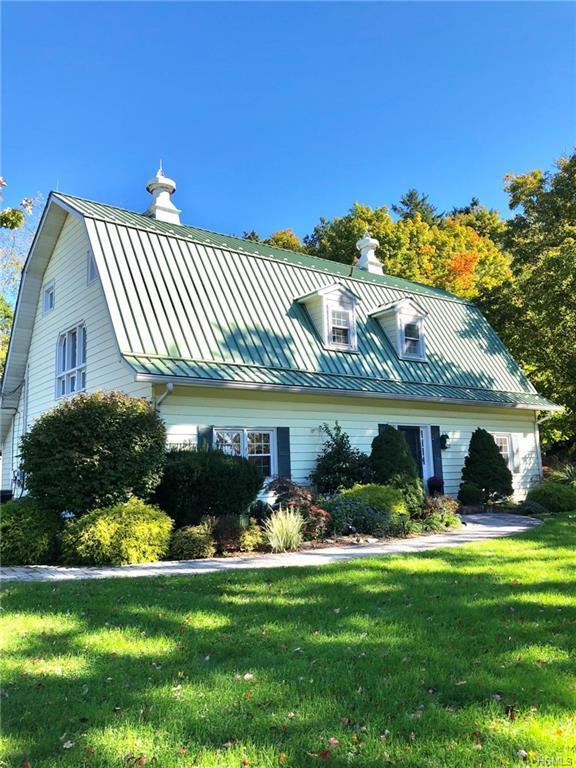 15 Clintonwood Drive, New Windsor, NY 12553 (MLS #4851683) :: William Raveis Baer & McIntosh