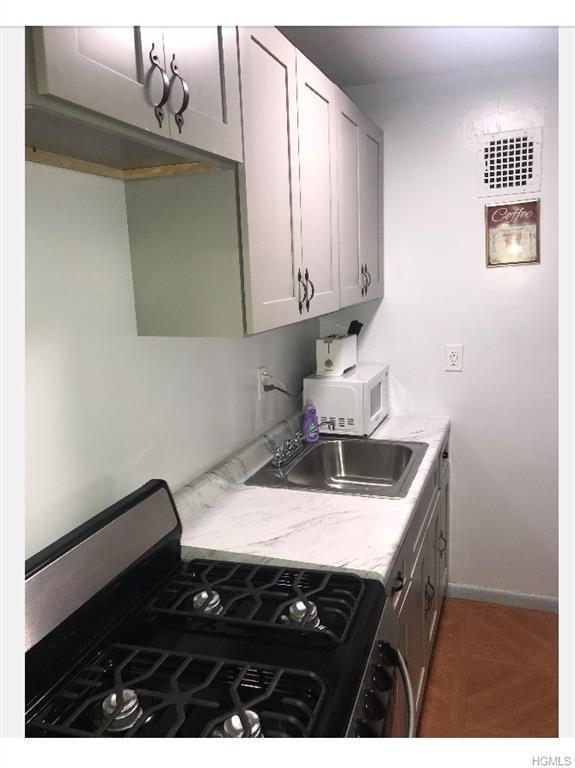 160 E 2ND 4A, New York, NY 10009 (MLS #4910595) :: Mark Boyland Real Estate Team