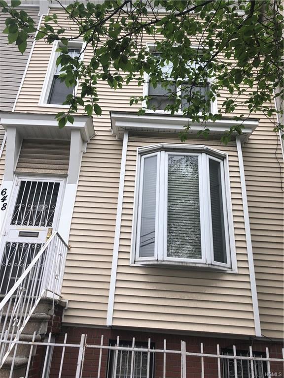 648 Saint Anns Avenue, Bronx, NY 10455 (MLS #4920175) :: Mark Boyland Real Estate Team