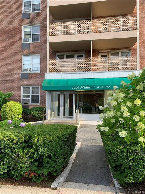 1296 Midland Avenue C2, Yonkers, NY 10704 (MLS #4990746) :: William Raveis Baer & McIntosh