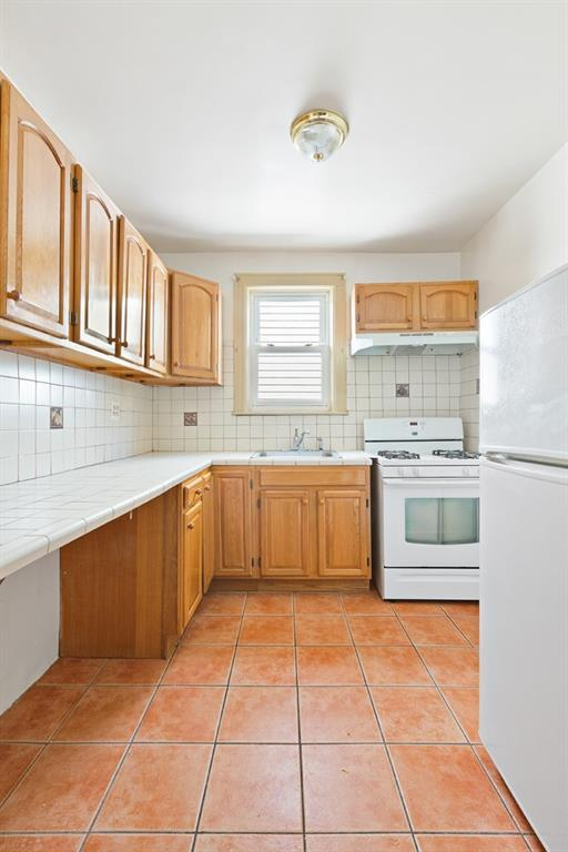 82 Palmetto Street, Brooklyn, NY 11221 (MLS #4993491) :: Mark Boyland Real Estate Team