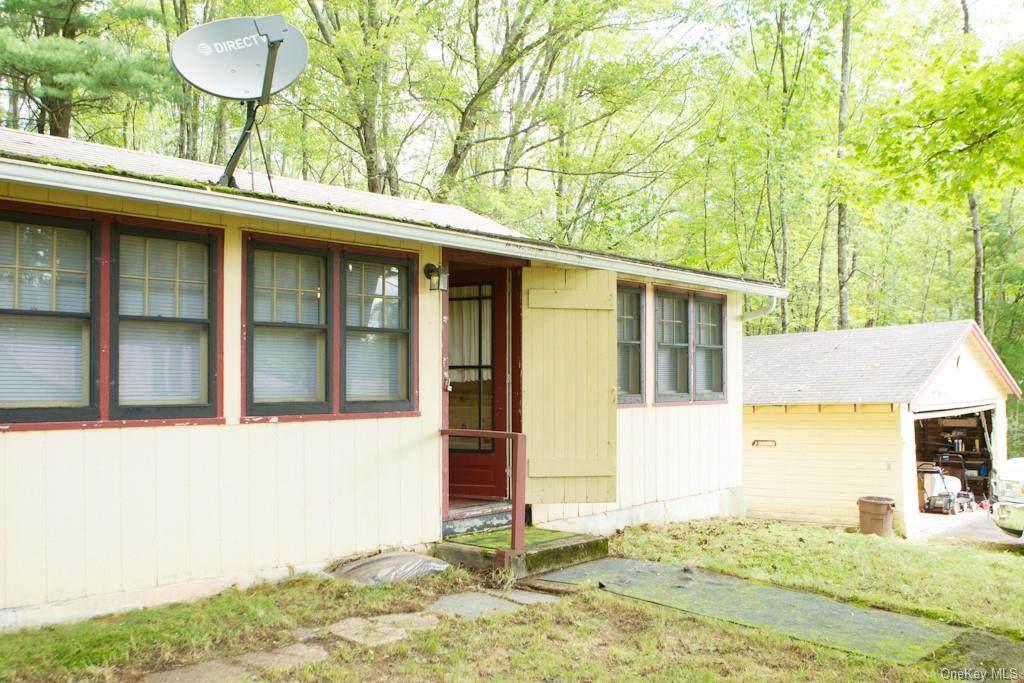 130 Sullivan Place - Photo 1